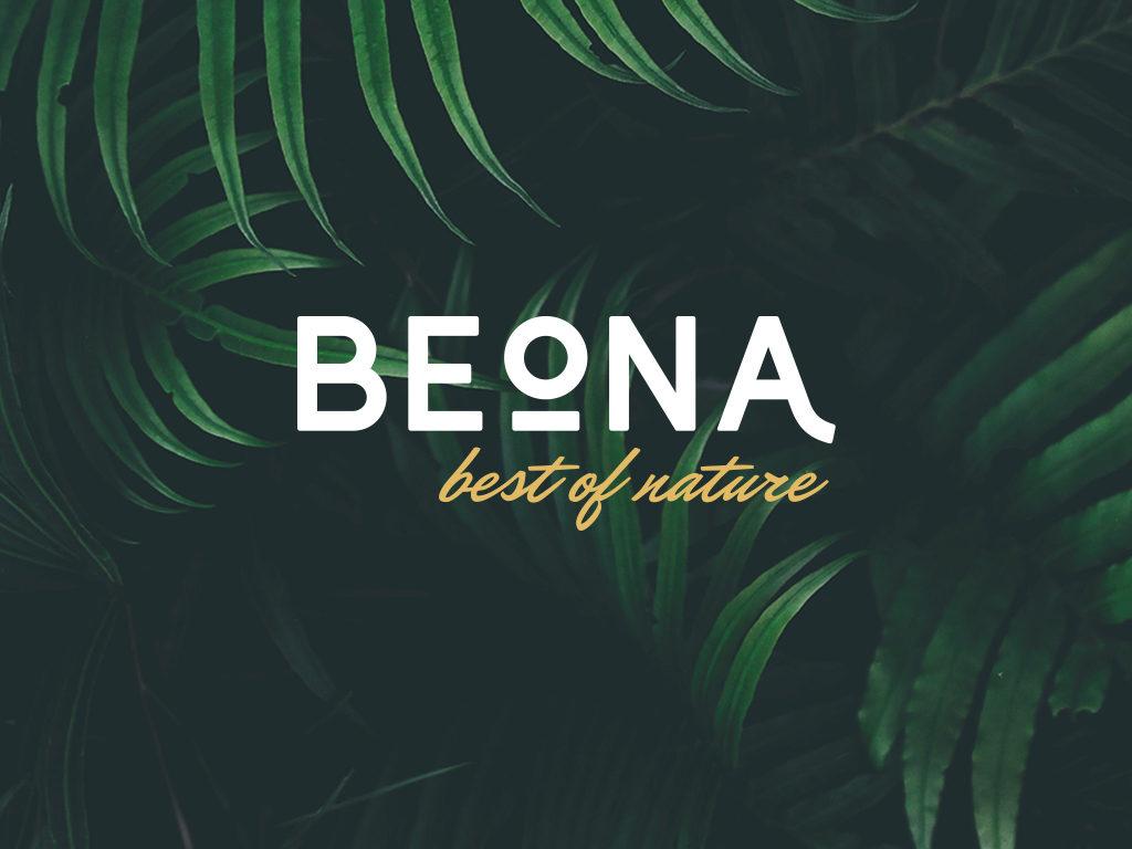 Schriftzug Beona auf Hintergrund mit Pflanzen